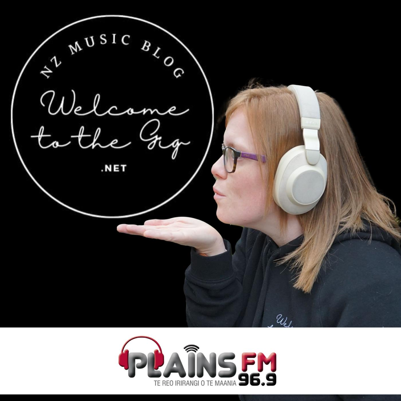 Welcome to the Gig- Episode 4: Thomas McHutchison from Dolphin Friendly